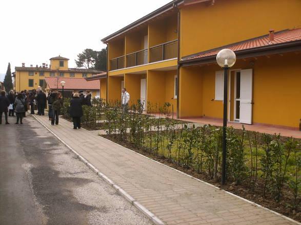 La toscana all 39 avanguardia nell 39 edilizia residenziale for Costare la costruzione di una casa contro l acquisto