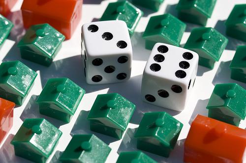 Sospensione mutuo: scoppia la polemica sugli interessi
