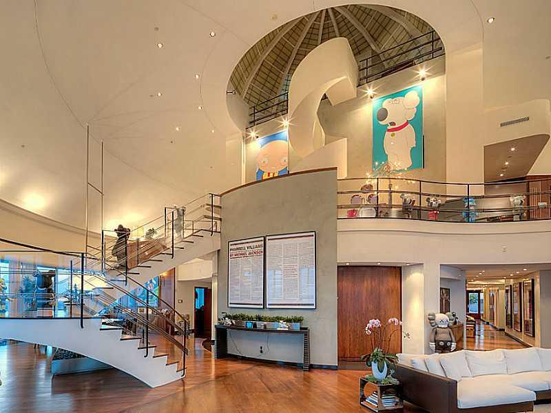 Pharrell williams alza il prezzo della sua casa in vendita - Alzare tetto casa ...