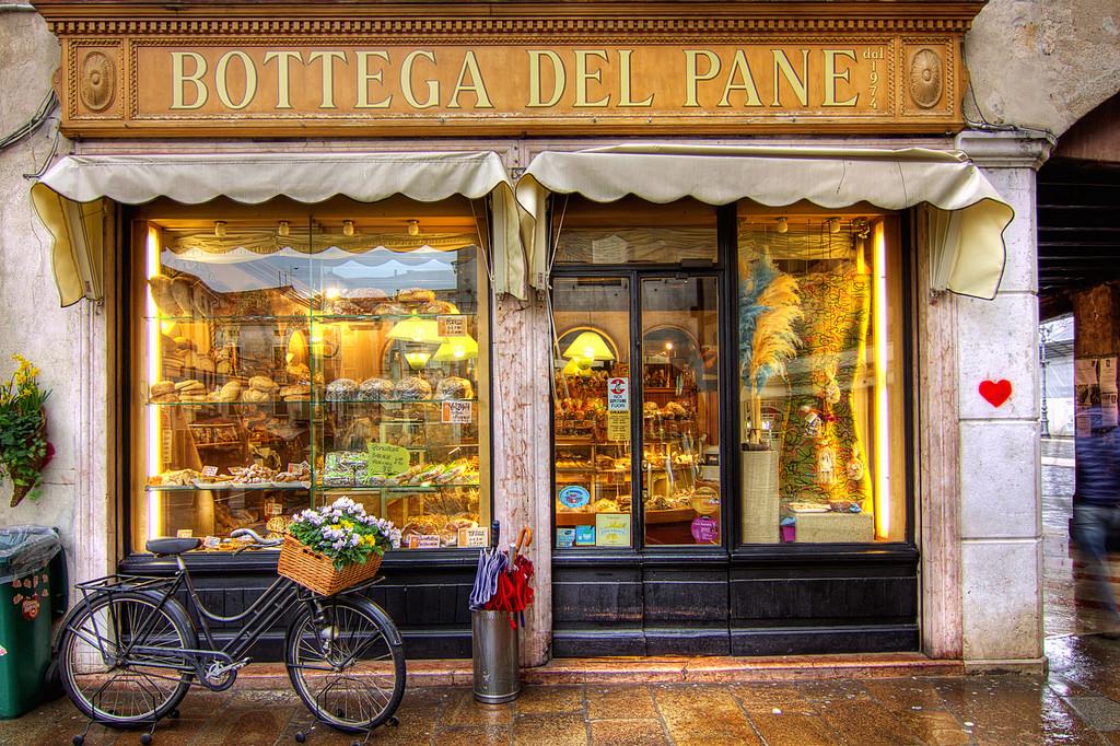 Bottega del pane, credits: Salva Barbera, under CC licence