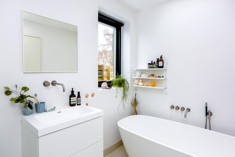 Bagno Di Casa Foto : Domotica uno specchio google per il bagno di casa