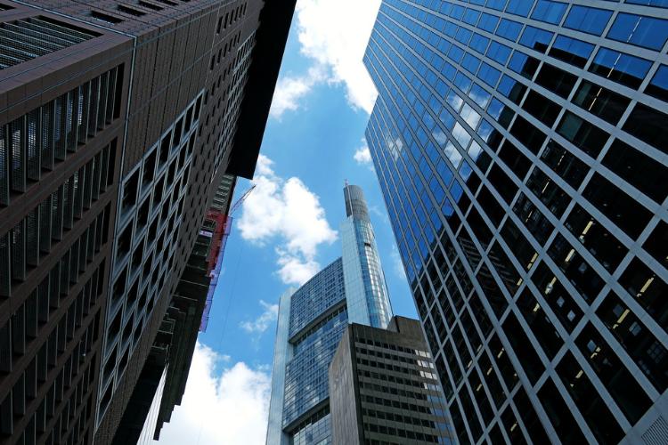 Nomisma: nel 2018 aumento per compravendite e investimenti. In calo prezzi di case, negozi e uffici.
