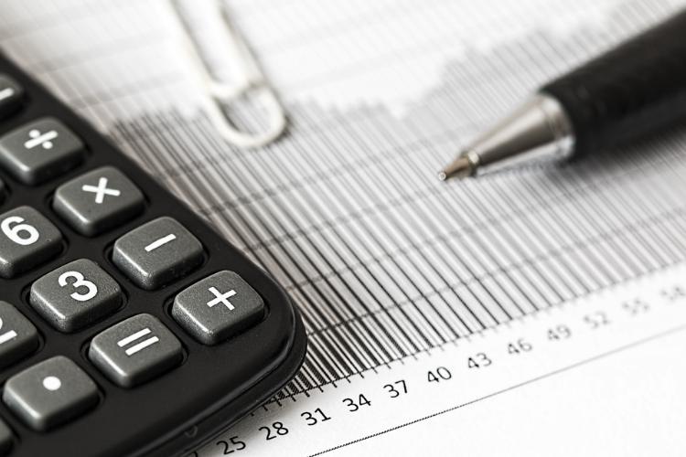 Spese, consumi e scadenze fiscali: ecco per quanto tempo si devono conservare i documenti in casa?