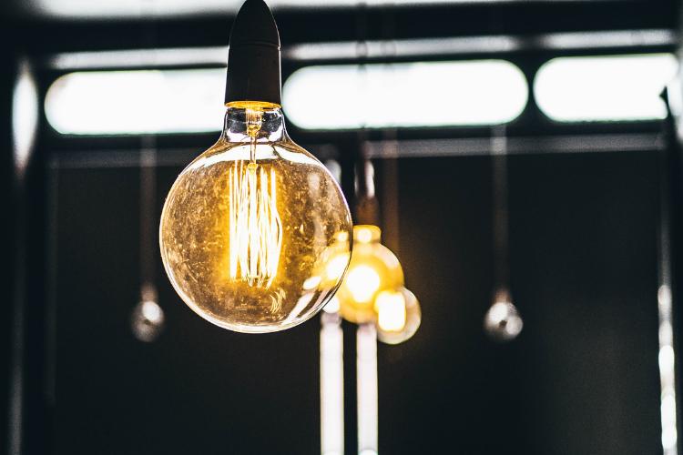 Seconda casa: cosa prevedono le normative sulle bollette elettriche?