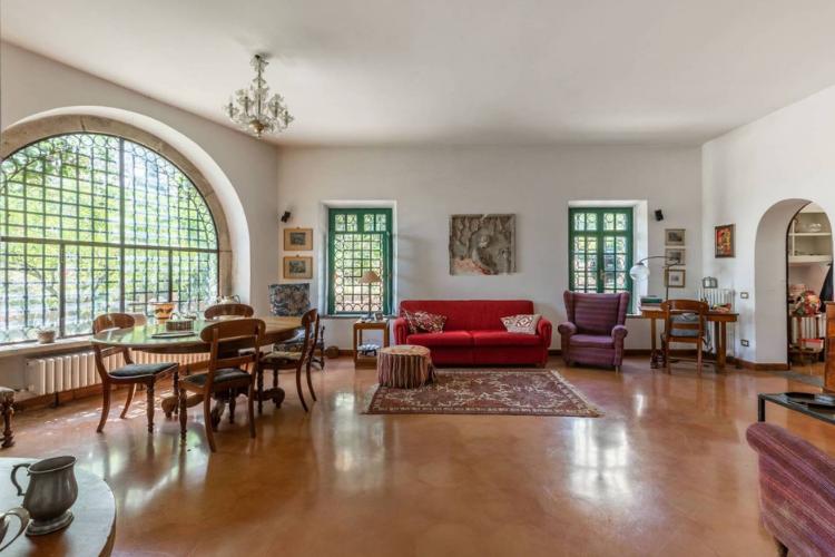 In vendita nelle campagne di Velletri la villa di Eduardo De Filippo.