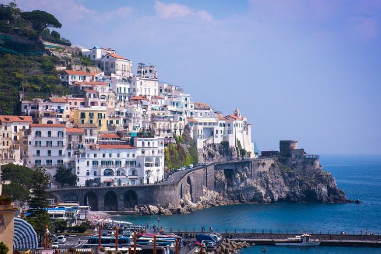Crescono le compravendite di seconde case in Italia.