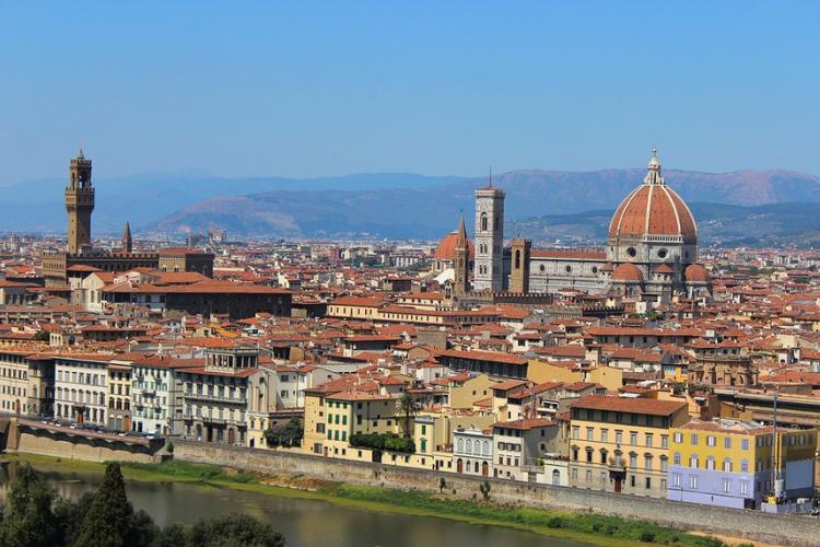 Il mercato degli immobili di lusso in Italia non conosce crisi.