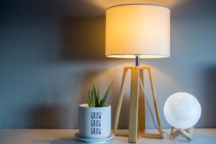 Bolletta della luce: come risparmiare