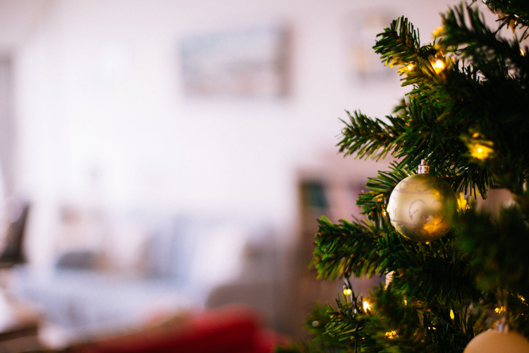 Decorare casa per Natale.