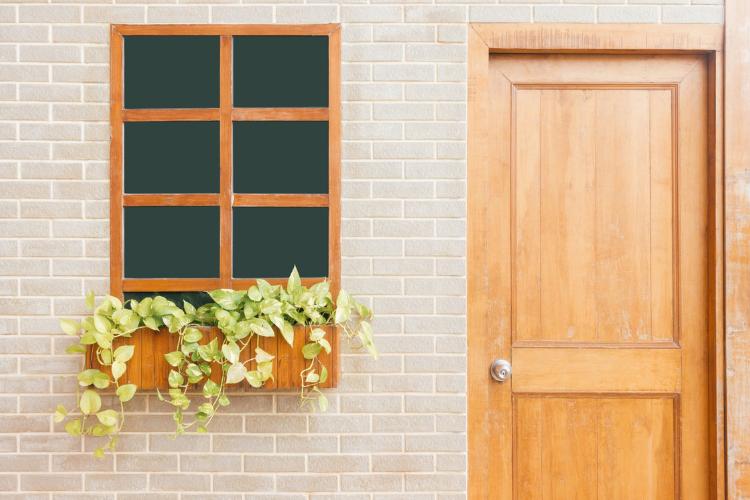 Consigli di home staging per l'ingresso di casa.