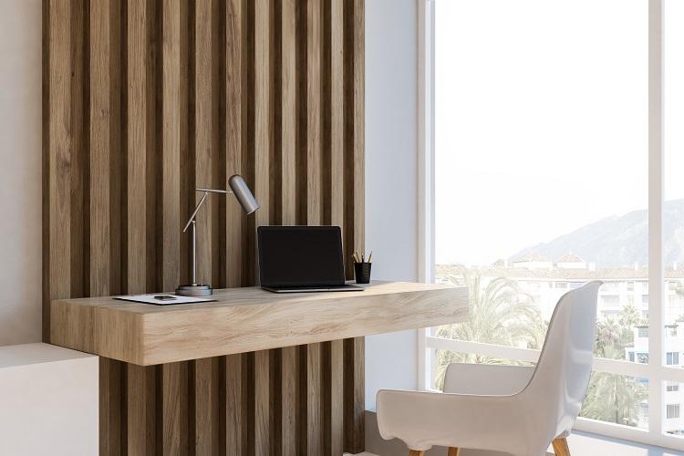 Home office minimalista ed essenziale