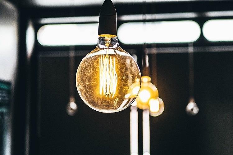 lampadina energica elettrica