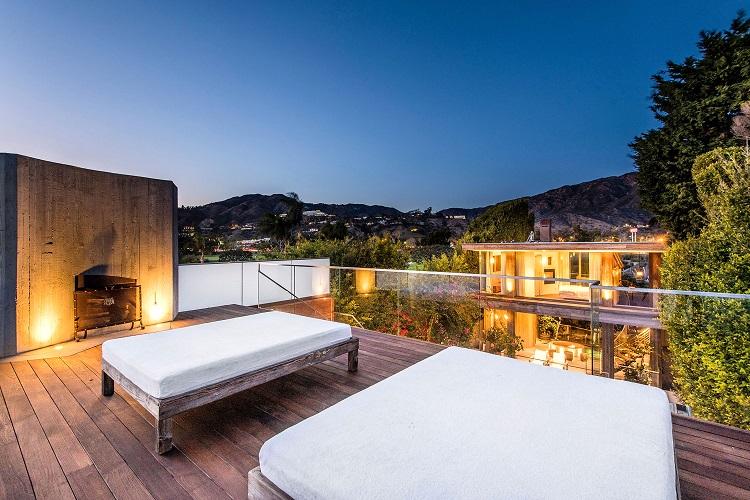 La vista dalla terrazza della villa di Pamela Anderson