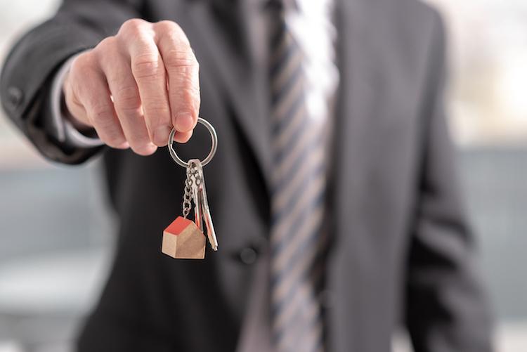 Cercare casa con agente immobiliare