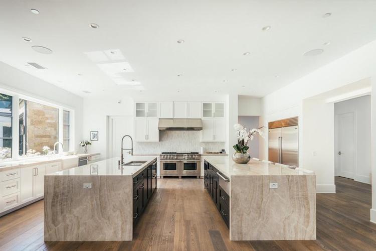 La nuova villa di Madonna - la cucina