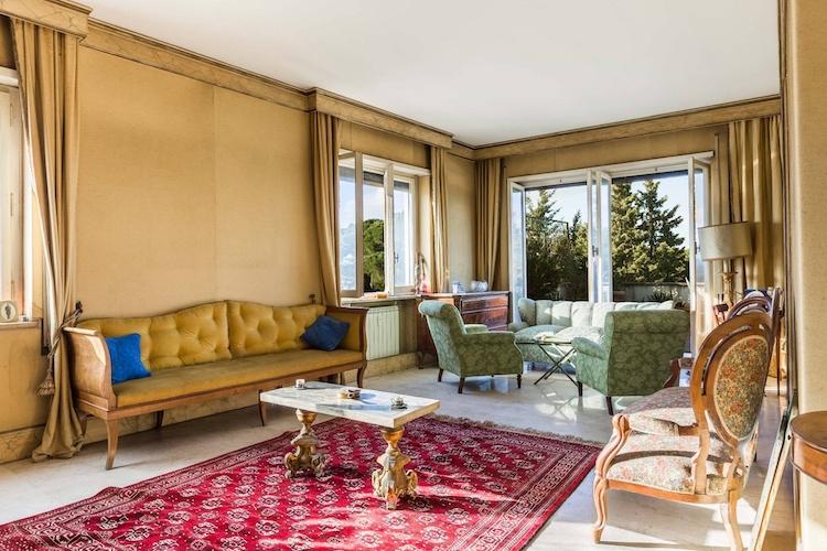 Il salone dell'attico di Fellini