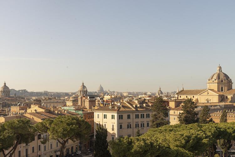 Il panorama di Roma da una terrazza esclusiva