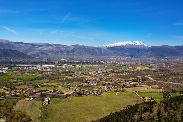 Una veduta della Valle Peligna, in cui si trova Pratola Peligna