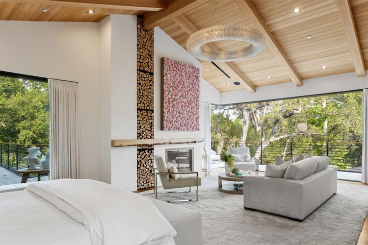 La villa di Joe Jonas e Sophie Turner, la camera da letto