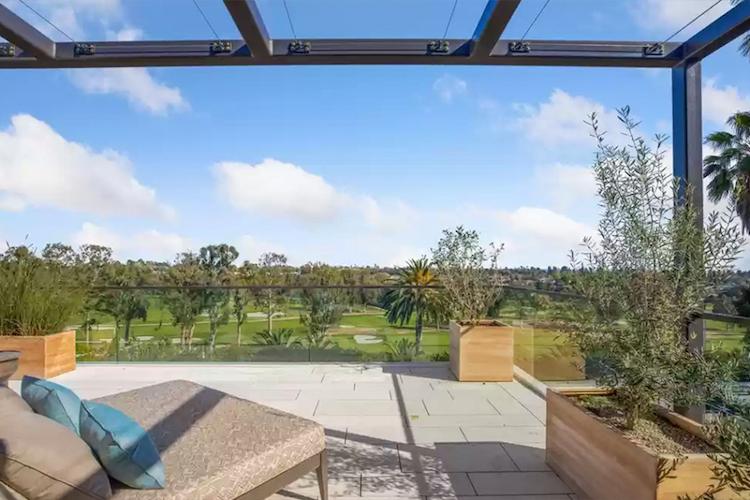 La villa di Michelle Pfeiffer in vendita - la vista sul campo da golf