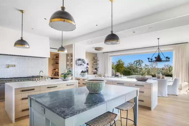 La villa di Michelle Pfeiffer in vendita - la cucina