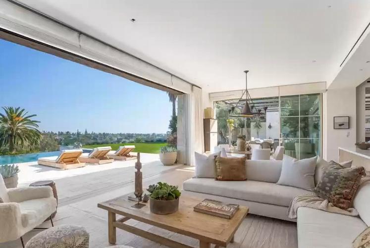 La villa di Michelle Pfeiffer in vendita - il soggiorno
