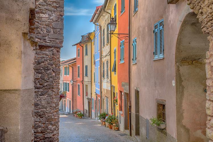 Vista di Pignone, in Liguria